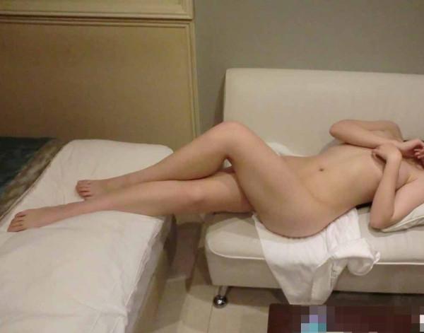 24歳保育士の裸