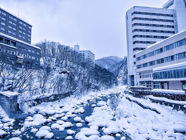 雪の定山渓温泉